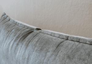 Jak vyřešit padání polštářů