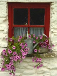 window-457672_960_720