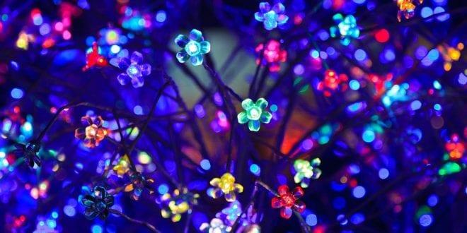 Jak nejlépe vyzdobit domov vánočním osvětlením a přitom ušetřit energii?