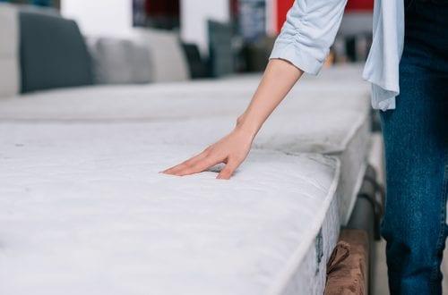Matrace, polštáře a přikrývky – nepodceňujte jejich výběr