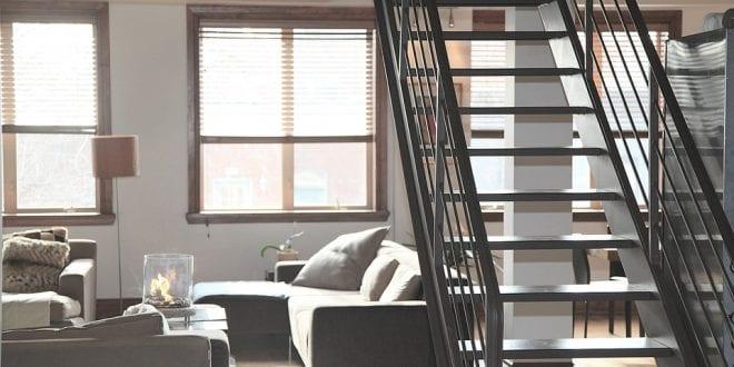 Jak na snížení stropu v bytě